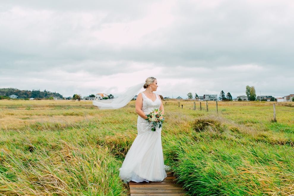 001-bellingham-washington-neptune-beach-wedding-first-look-katheryn-moran-photography.jpg