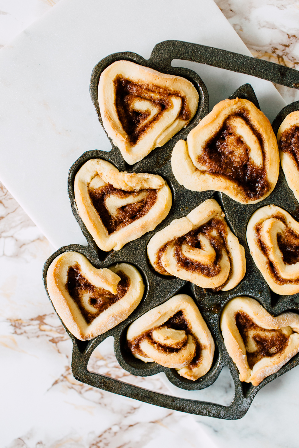 003-bellingham-food-photographer-cinnamon-rolls-baking-katheryn-moran-photography.jpg
