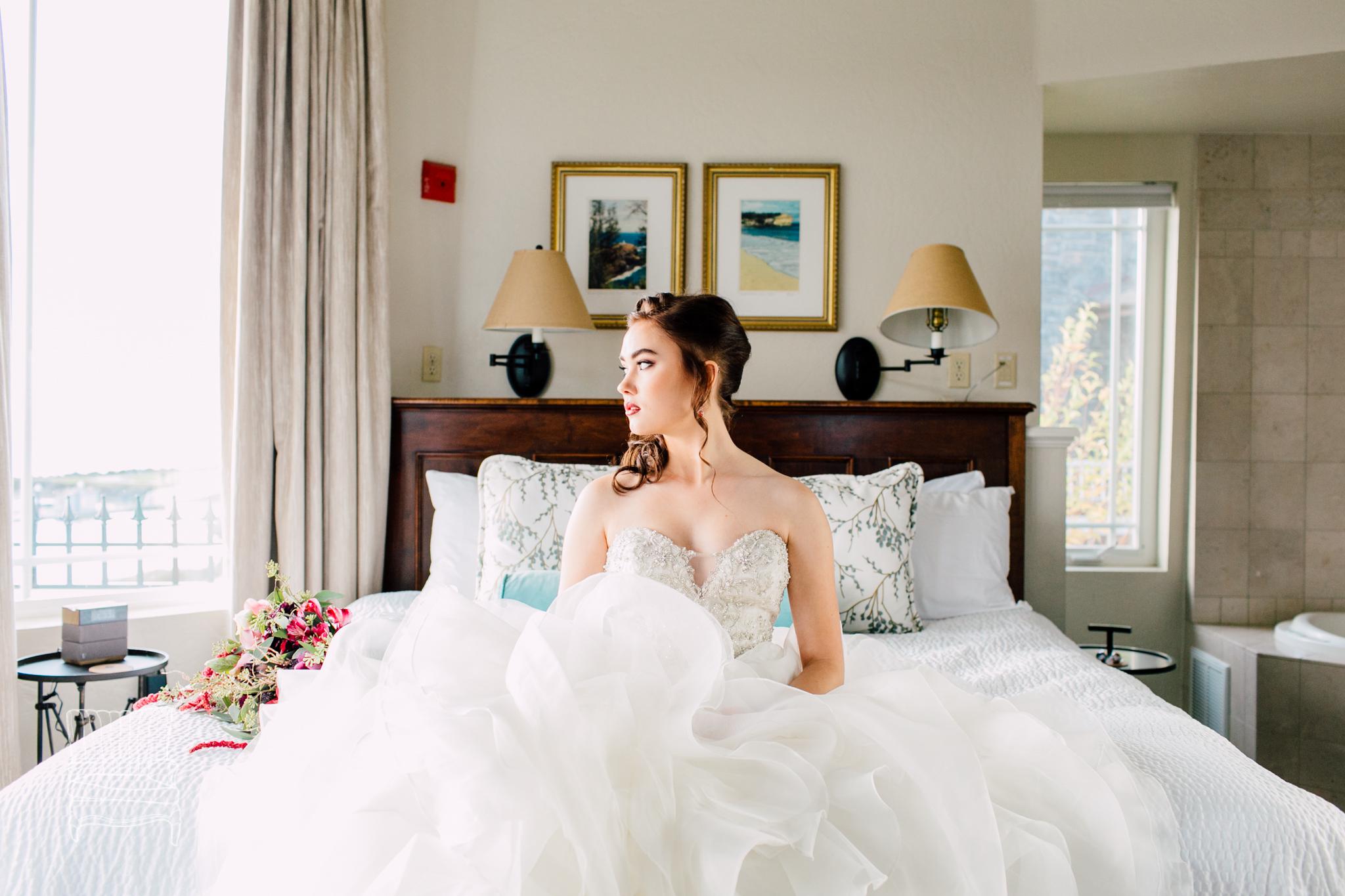 bellwether-hotel-bellingham-wedding-photographer-katheryn-moran-glitz-glam-styled-367.jpg