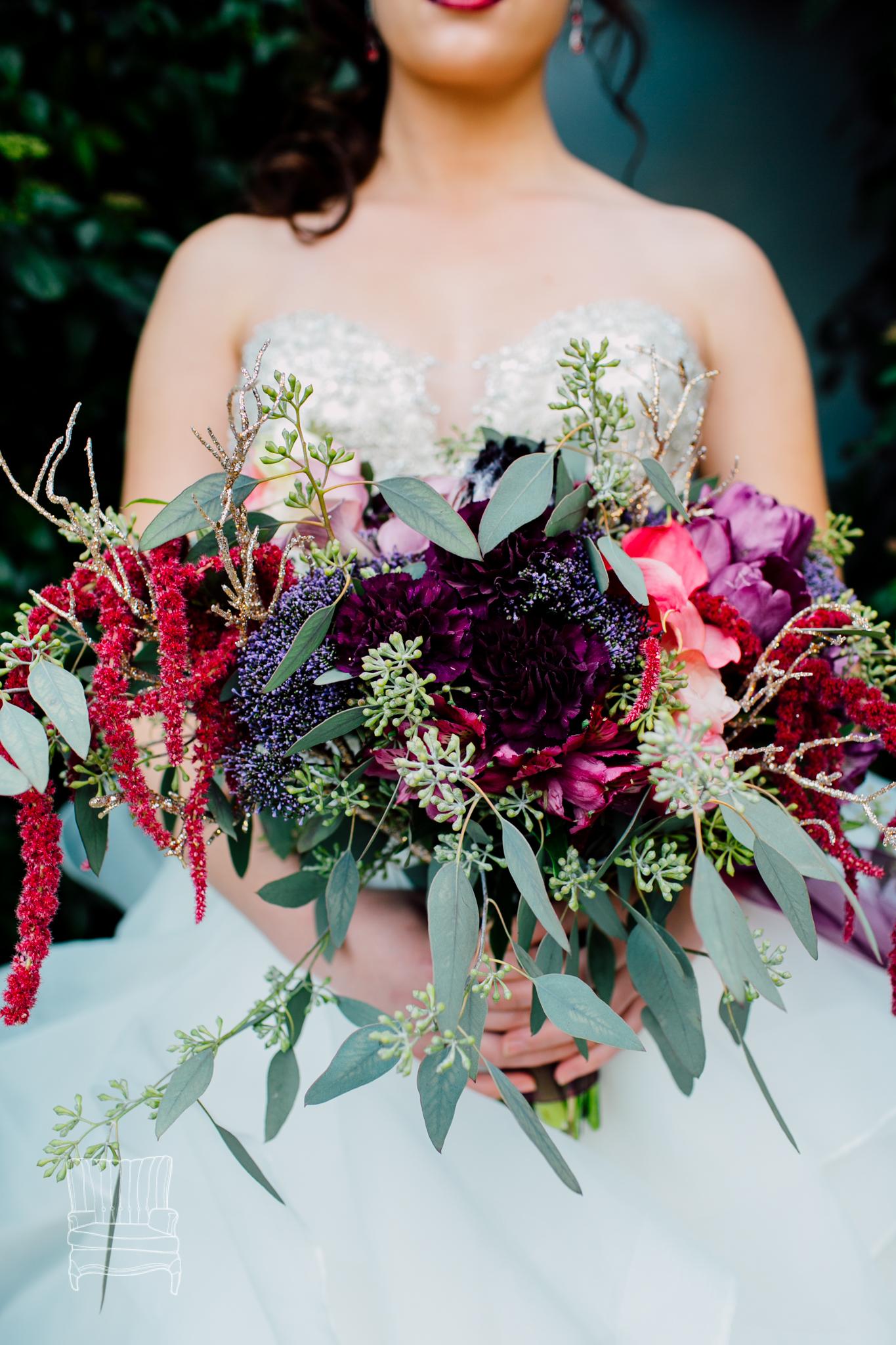 bellwether-hotel-bellingham-wedding-photographer-katheryn-moran-glitz-glam-styled-409.jpg