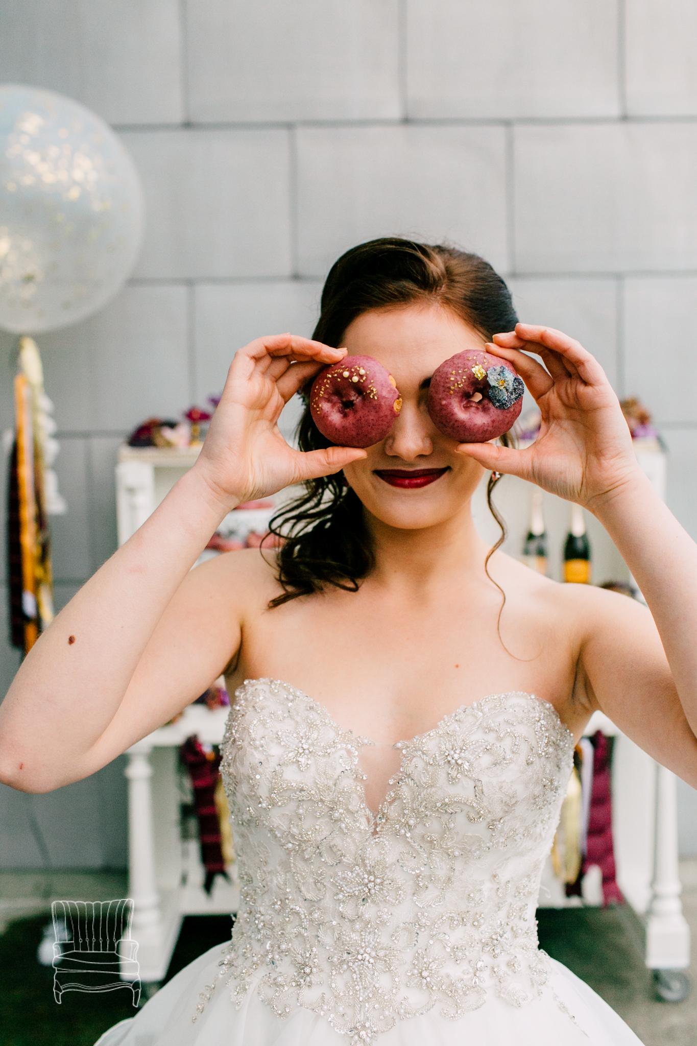 bellwether-hotel-bellingham-wedding-photographer-katheryn-moran-glitz-glam-styled-528.jpg