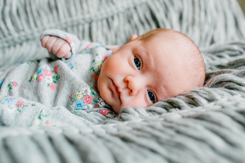013-bellingham-newborn-photographer-katheryn-moran-lifestyle-cora.jpg