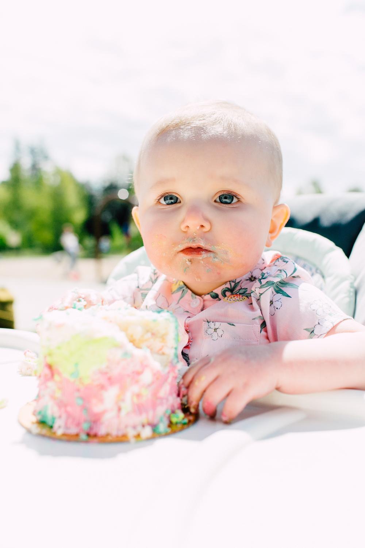 012-bellingham-cake-smash-first0-birthday-photographer-katheryn-moran-margot.jpg