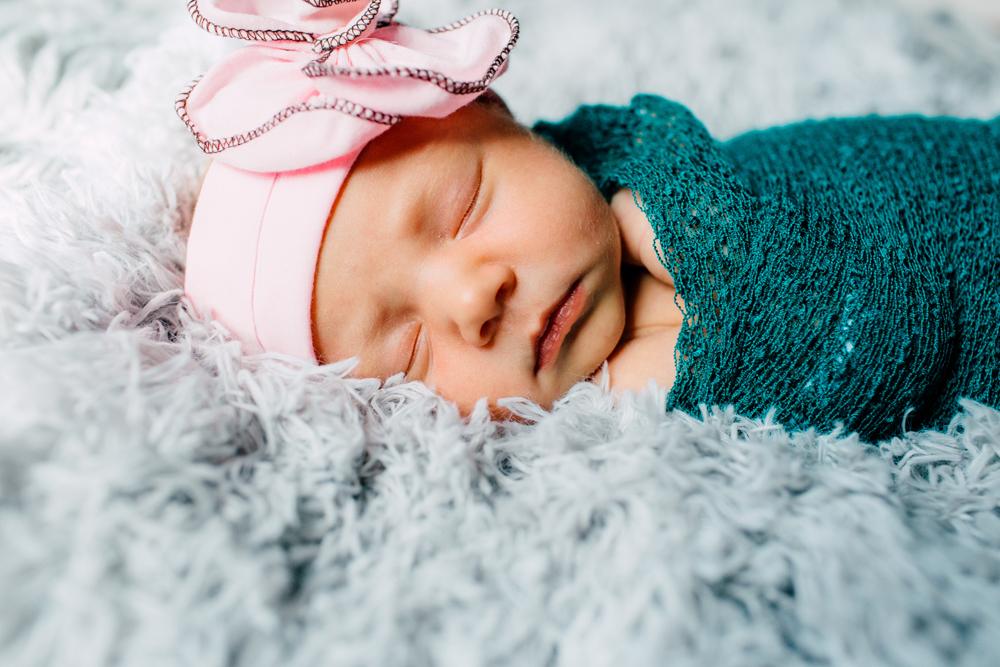 005-bellingham-newborn-photographer-katheryn-moran-family-baby-june.jpg