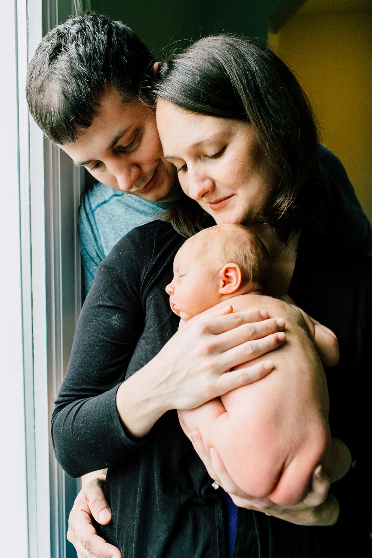 021-bellingham-newborn-photographer-katheryn-moran-family-baby-june.jpg
