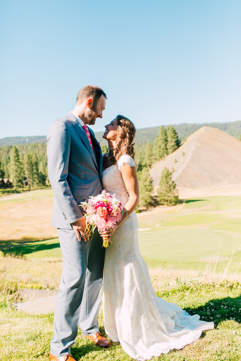 021-suncadia-cle-elum-wedding-photographer-katheryn-moran-washington-wedding-mandy-mike.jpg