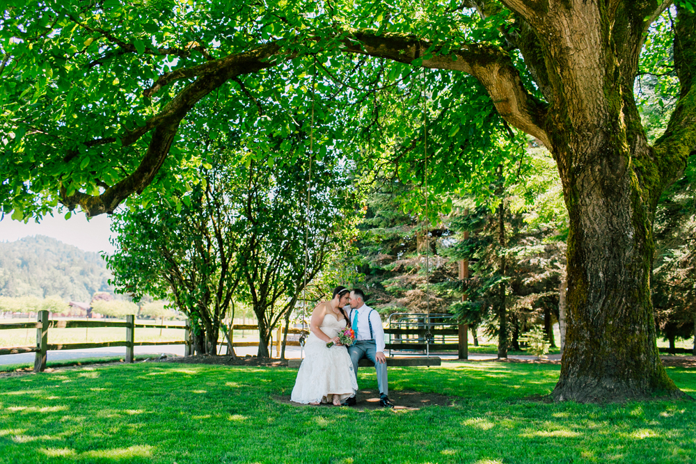 017-snohomish-wedding-photographer-katheryn-moran-woodland-meadow-farm-ali-kris-2017.jpg