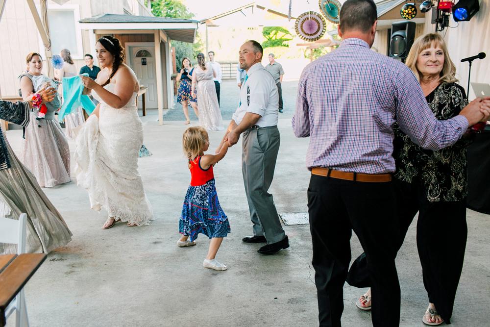 086-snohomish-wedding-photographer-katheryn-moran-woodland-meadow-farm-ali-kris-2017.jpg