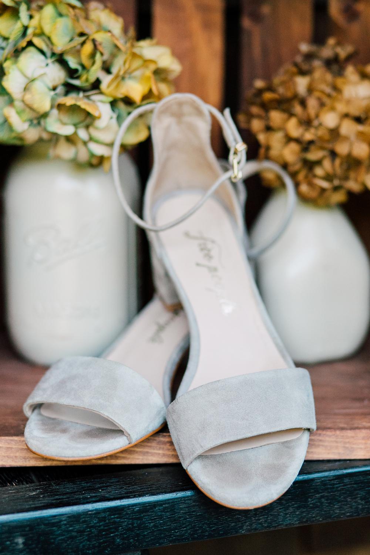 002-bellingham-wedding-photographer-katheryn-moran-backyard-wedding-ashley-kevin-2017.jpg