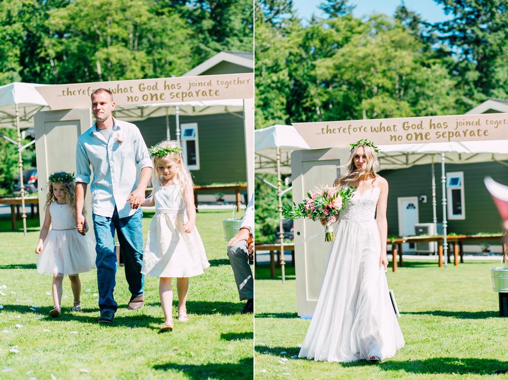 047-bellingham-wedding-photographer-katheryn-moran-backyard-wedding-ashley-kevin-2017.jpg