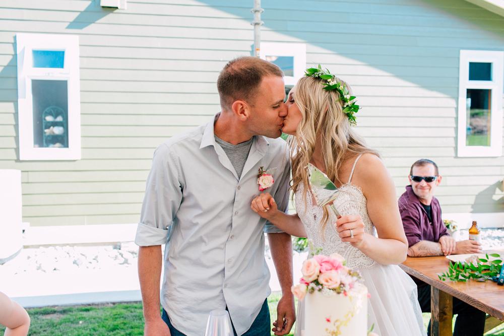 070-bellingham-wedding-photographer-katheryn-moran-backyard-wedding-ashley-kevin-2017.jpg