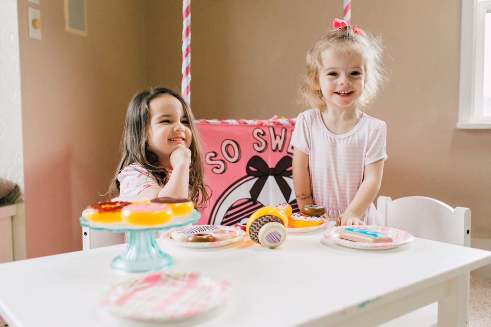 007-bellingham-family-lifestyle-photographer-katheryn-moran-donut-shop-ludke.jpg