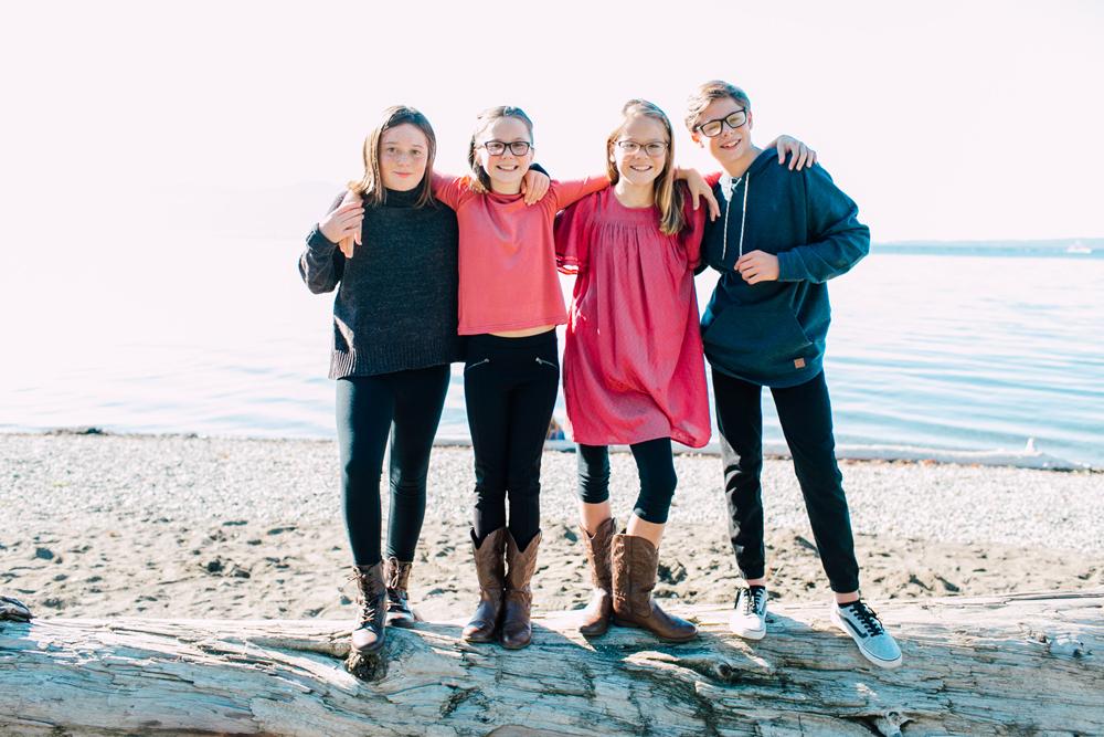 001-bellingham-family-photographer-katheryn-moran-marine-park-fairhaven-allsop.jpg