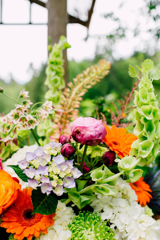 004-snohomish-wedding-photographer-katheryn-moran-jardin-del-sol-angela-luis-garden-wedding.jpg
