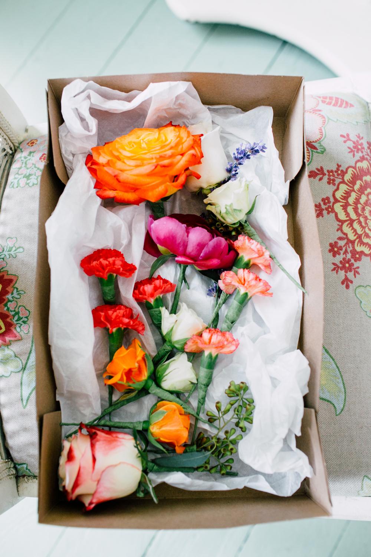 019-snohomish-wedding-photographer-katheryn-moran-jardin-del-sol-angela-luis-garden-wedding.jpg