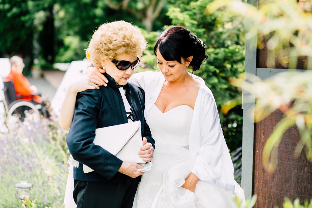 029-snohomish-wedding-photographer-katheryn-moran-jardin-del-sol-angela-luis-garden-wedding.jpg