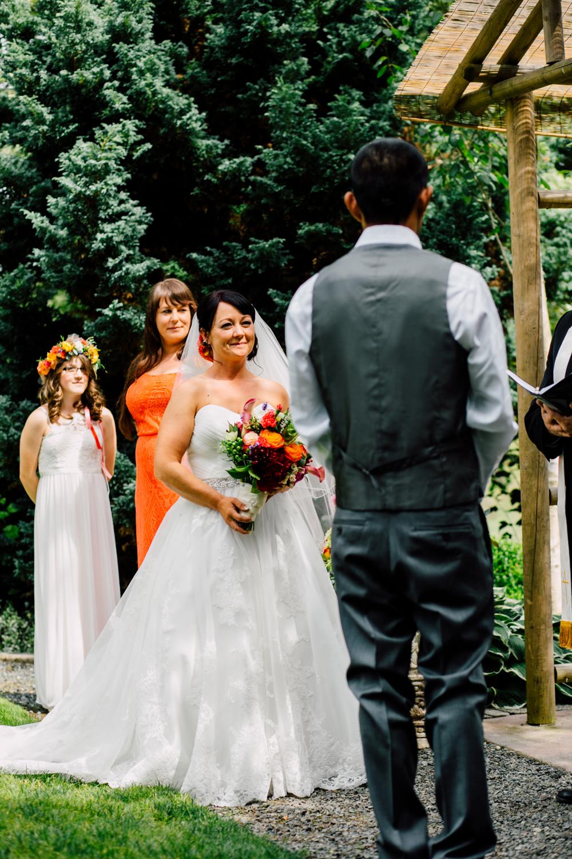 039-snohomish-wedding-photographer-katheryn-moran-jardin-del-sol-angela-luis-garden-wedding.jpg