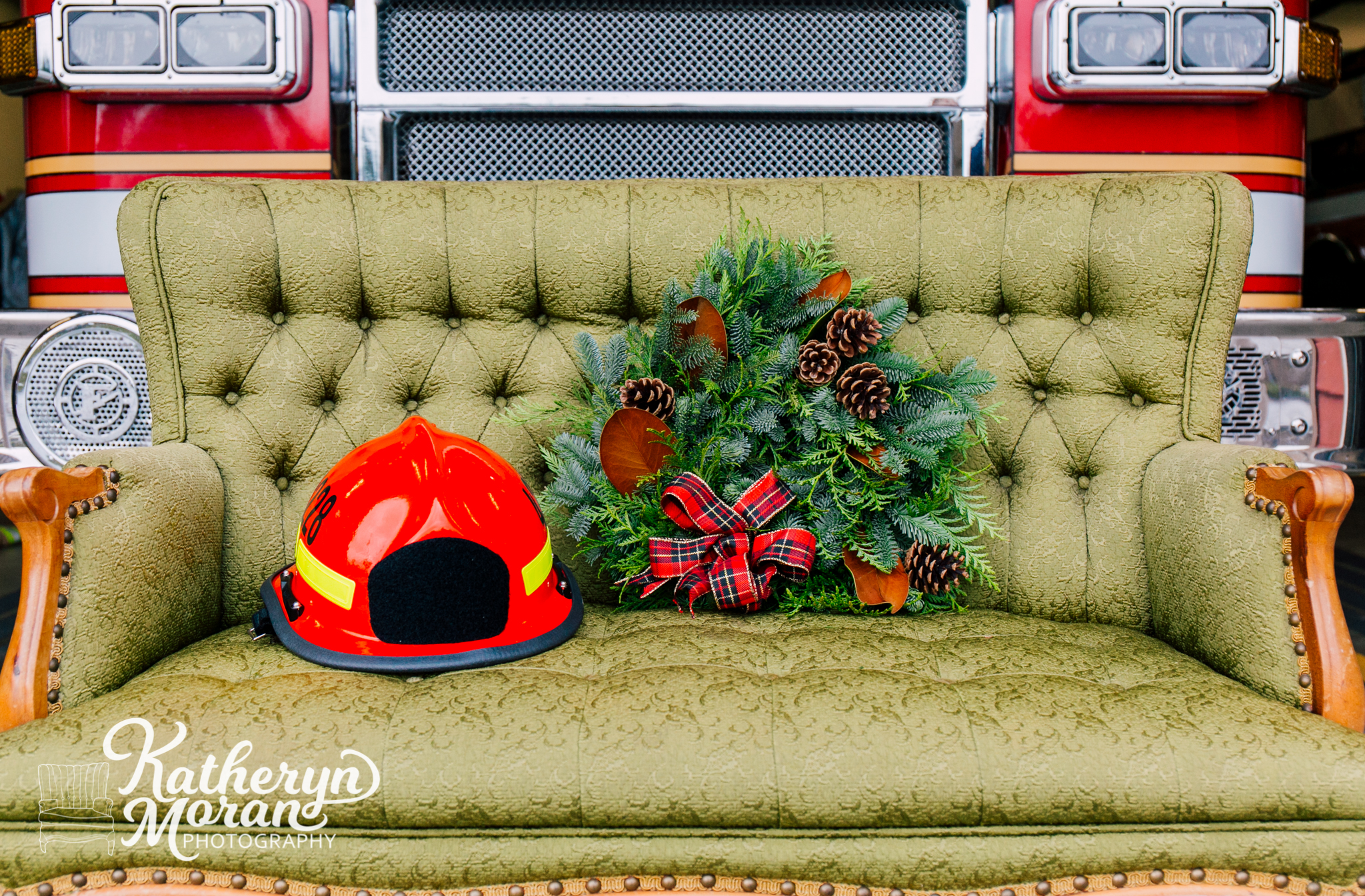 bellingham-photographer-katheryn-moran-whatcom-county-fire-station-12-help-holidays-2018-7.jpg