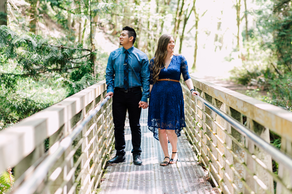 007-bellingham-engagement-wedding-photographer-katheryn-moran-chuckanut-drive-clayton-beach.jpg