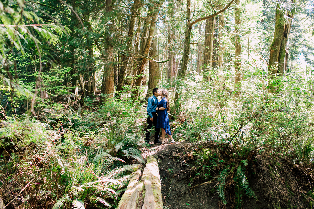 010-bellingham-engagement-wedding-photographer-katheryn-moran-chuckanut-drive-clayton-beach.jpg