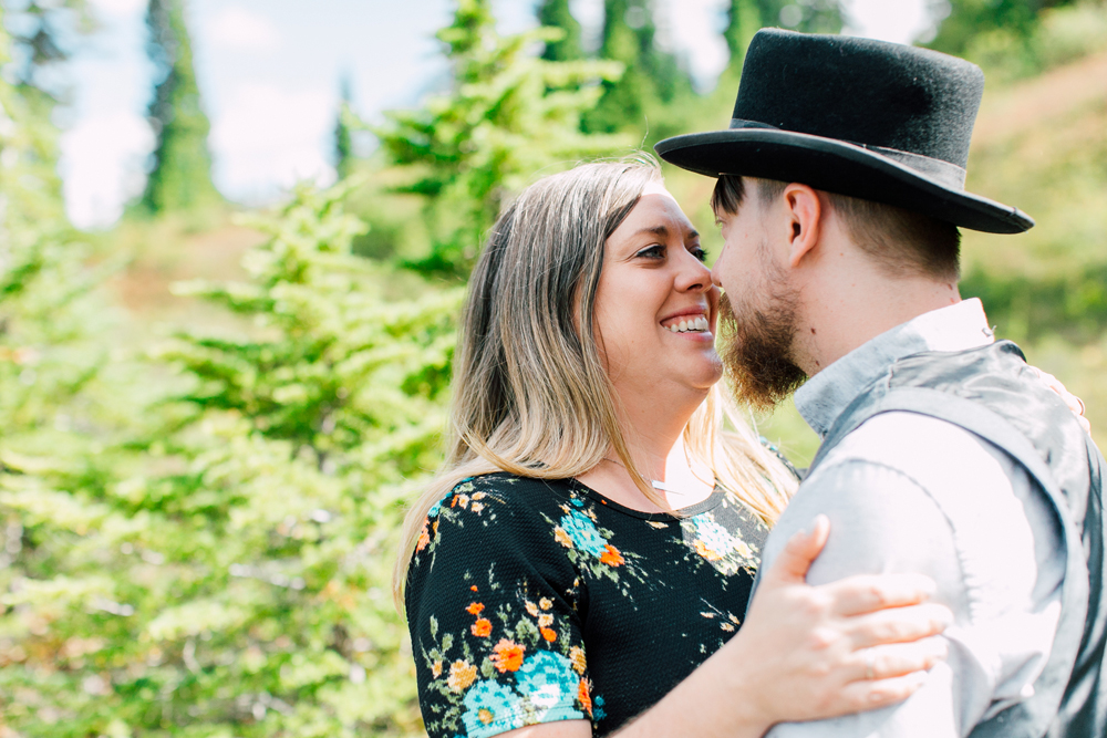 013-bellingham-engagement-photographer-mount-baker-north-fork-brewery-emma-eric.jpg
