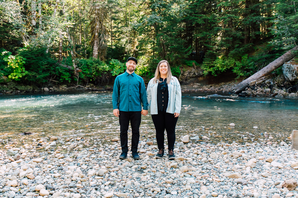 015-bellingham-engagement-photographer-mount-baker-north-fork-brewery-emma-eric.jpg