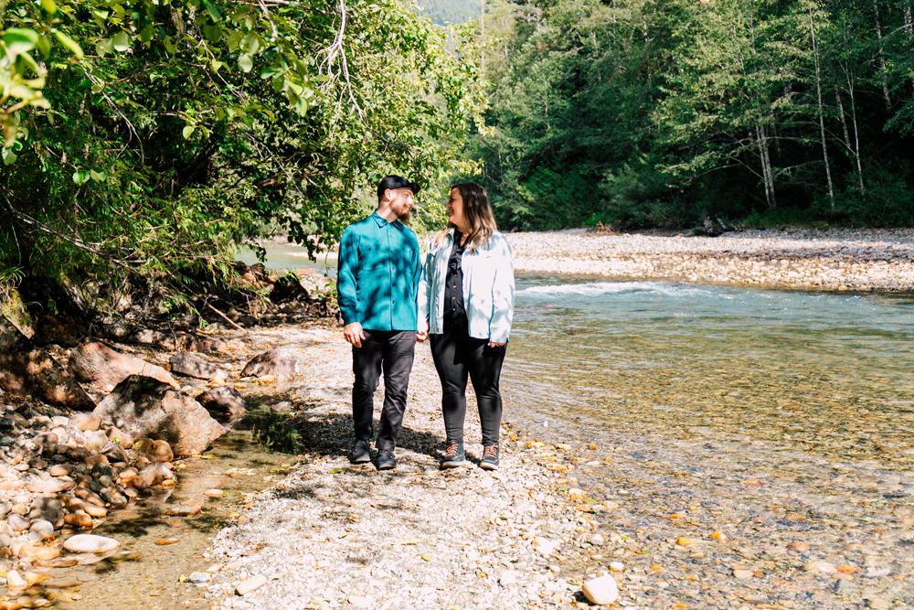 020-bellingham-engagement-photographer-mount-baker-north-fork-brewery-emma-eric.jpg