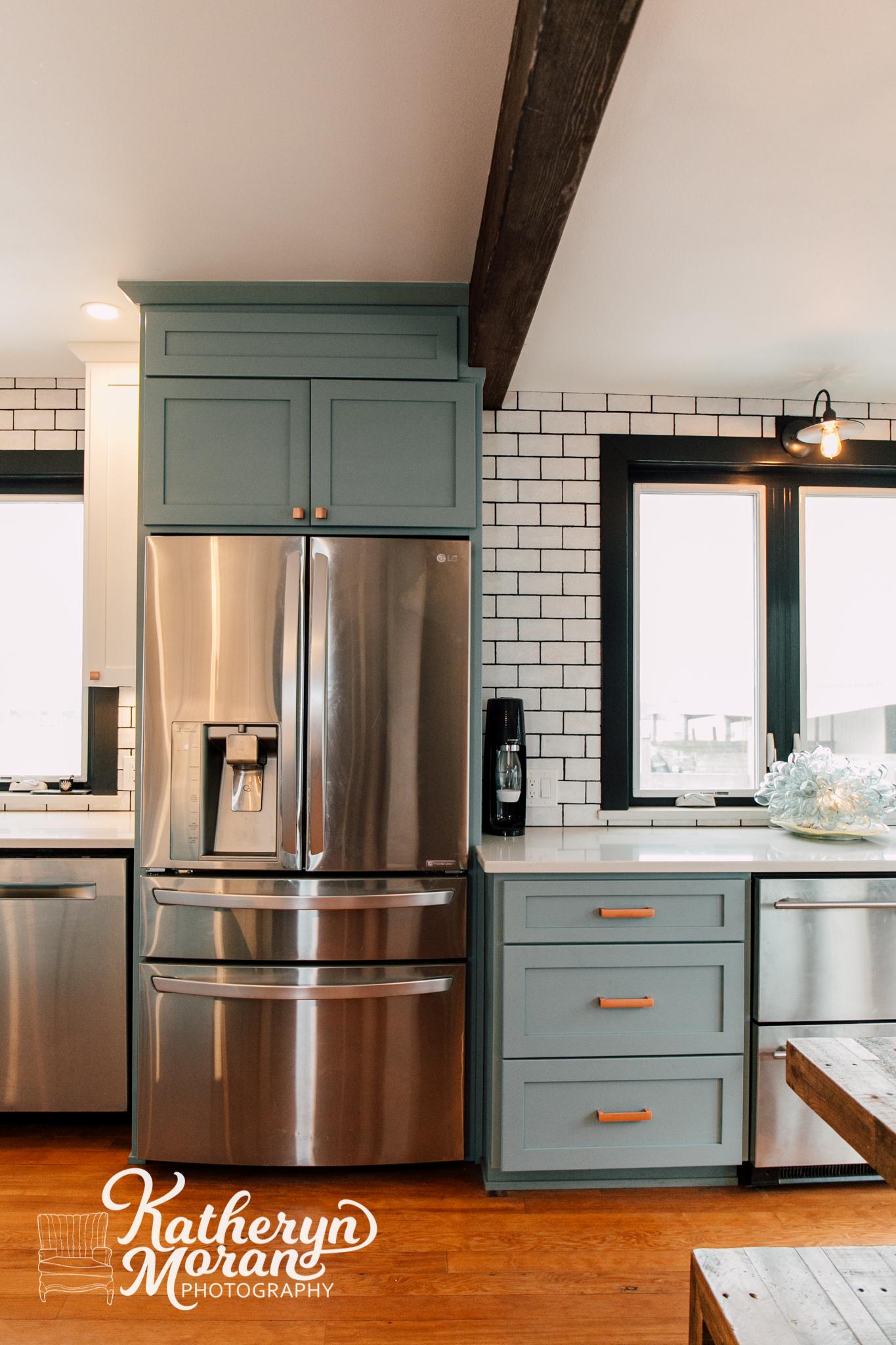 bellingham-photographer-katheryn-moran-jennifer-ryan-designs-interior-design-ferndale-kitchen-2019-1-4.jpg