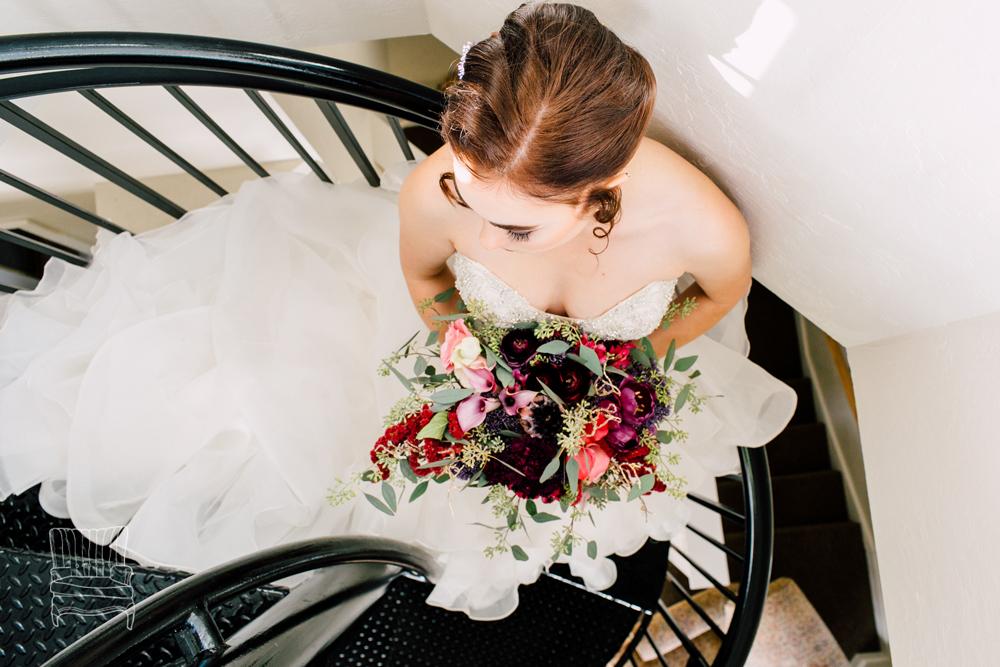 003-bellingham-wedding-photographer-katheryn-moran-bellwether-hotel-glitz-glam-styled-2016.jpg