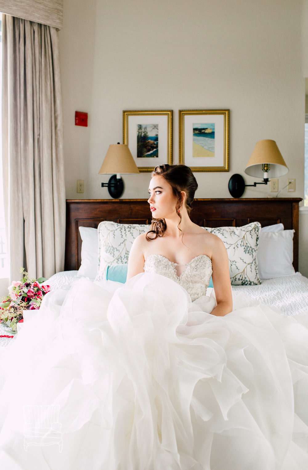 004-bellingham-wedding-photographer-katheryn-moran-bellwether-hotel-glitz-glam-styled-2016.jpg