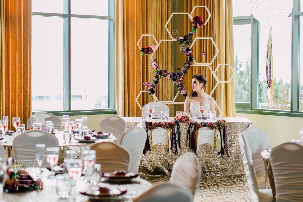 019-bellingham-wedding-photographer-katheryn-moran-bellwether-hotel-glitz-glam-styled-2016.jpg