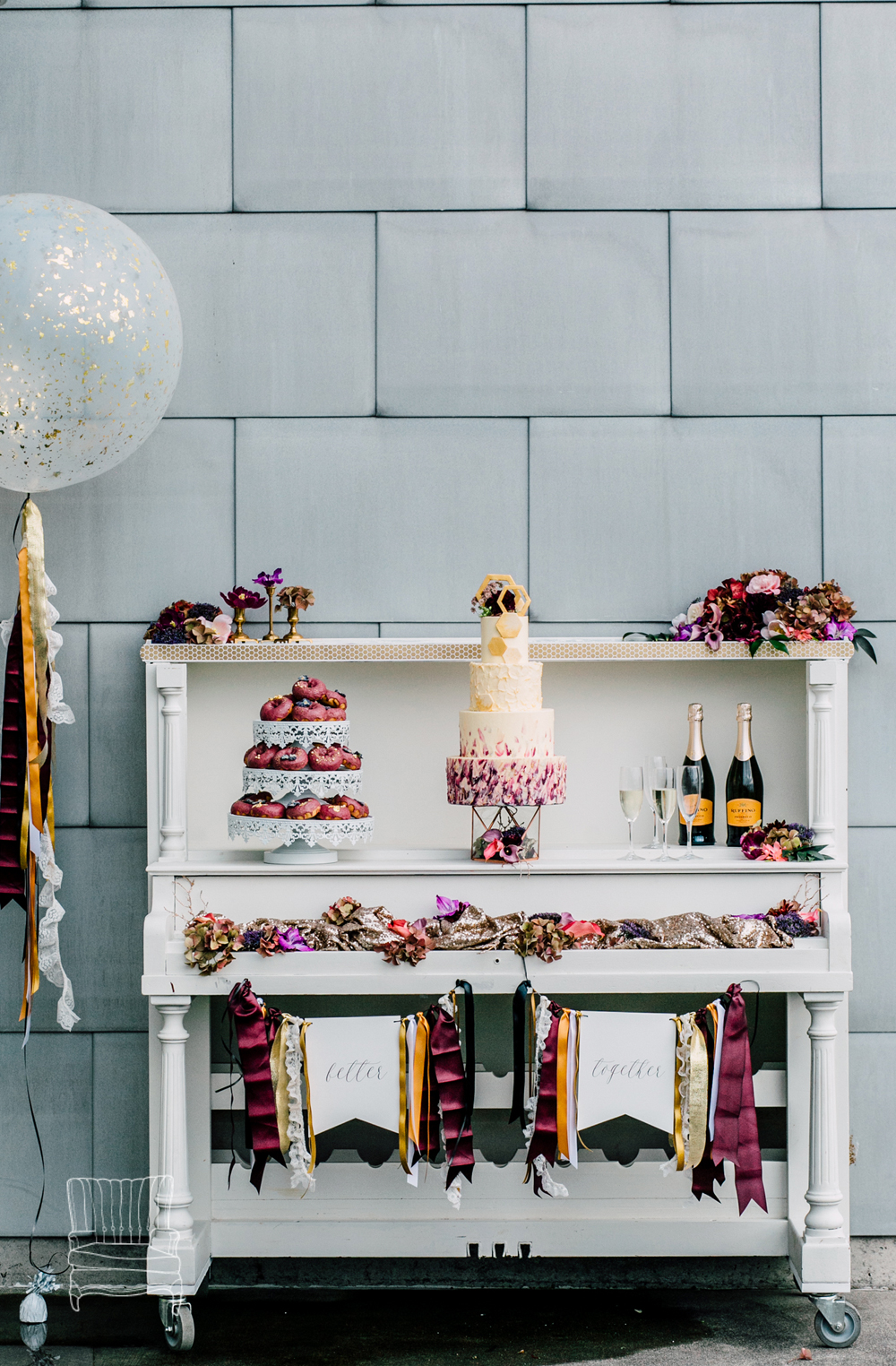 020-bellingham-wedding-photographer-katheryn-moran-bellwether-hotel-glitz-glam-styled-2016.jpg