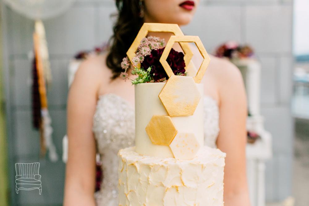 024-bellingham-wedding-photographer-katheryn-moran-bellwether-hotel-glitz-glam-styled-2016.jpg