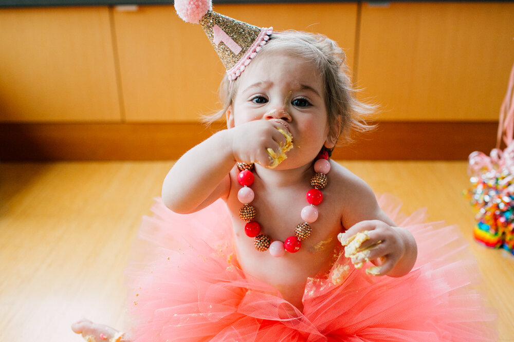 017-bellingham-one-year-cake-smash-photographer-katheryn-moran-emery.jpg