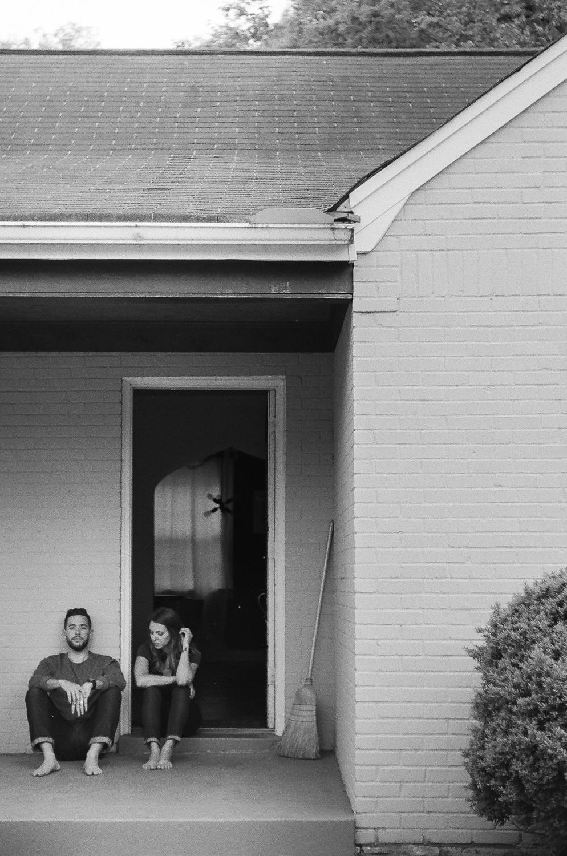 BradAndJen_NashvilleFilmPortraits_byTheImageIsFound_018.jpg