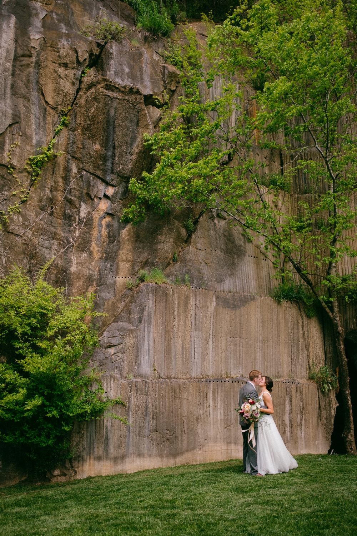 TheQuarryVenueWedding_KnoxvilleWedding_Cudzillo_by_TheImageIsFound_0076.jpg