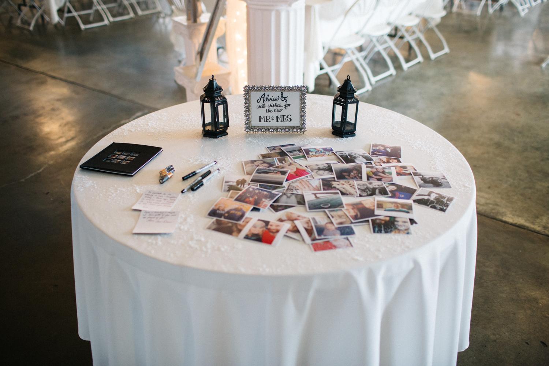 Evansville, Indiana-Wedding Photography-Neal Dieker-105.jpg