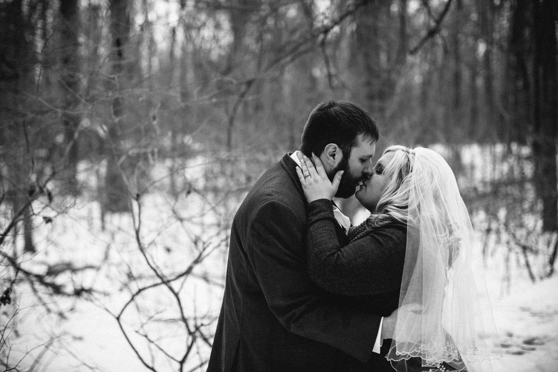 Evansville, Indiana-Wedding Photography-Neal Dieker-192.jpg