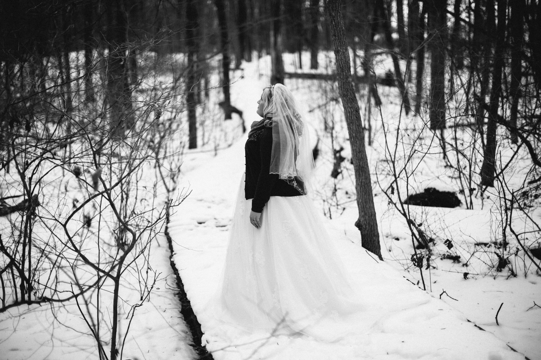 Evansville, Indiana-Wedding Photography-Neal Dieker-194.jpg