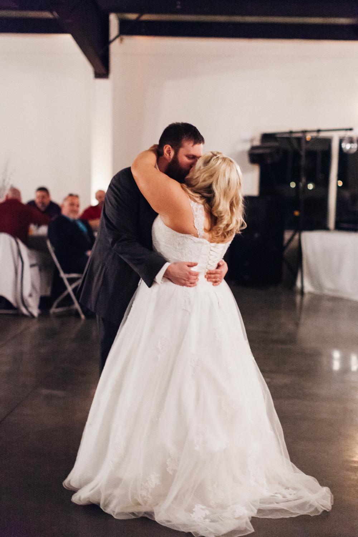 Evansville, Indiana-Wedding Photography-Neal Dieker-215.jpg