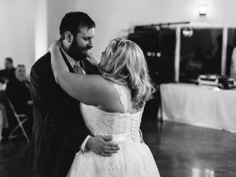 Evansville, Indiana-Wedding Photography-Neal Dieker-216.jpg