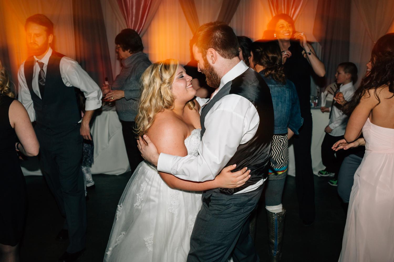 Evansville, Indiana-Wedding Photography-Neal Dieker-221.jpg
