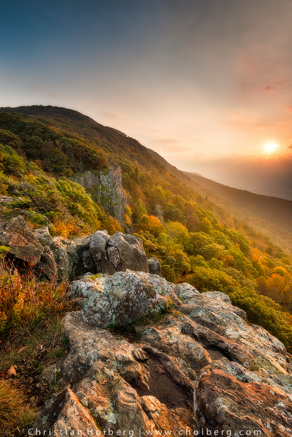 Sunset at Little Stony Man during early fall.16mm ISO100 f/11 1/8sec