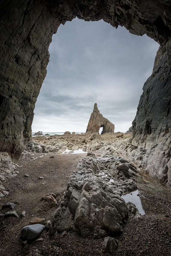 Entering the cave of Campiecho