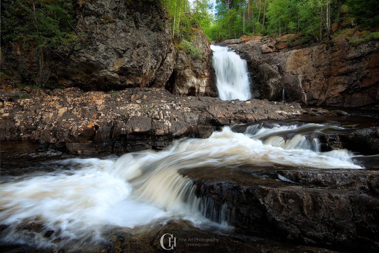 This waterfall lays a quick 15 minute drive from my home - yet I had never before heard of it!