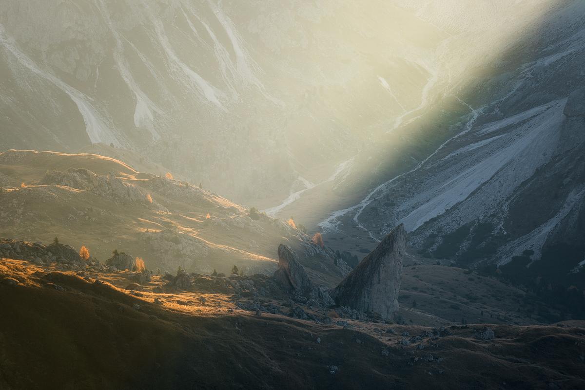 Seceda-Rocks-Sunrise.jpg