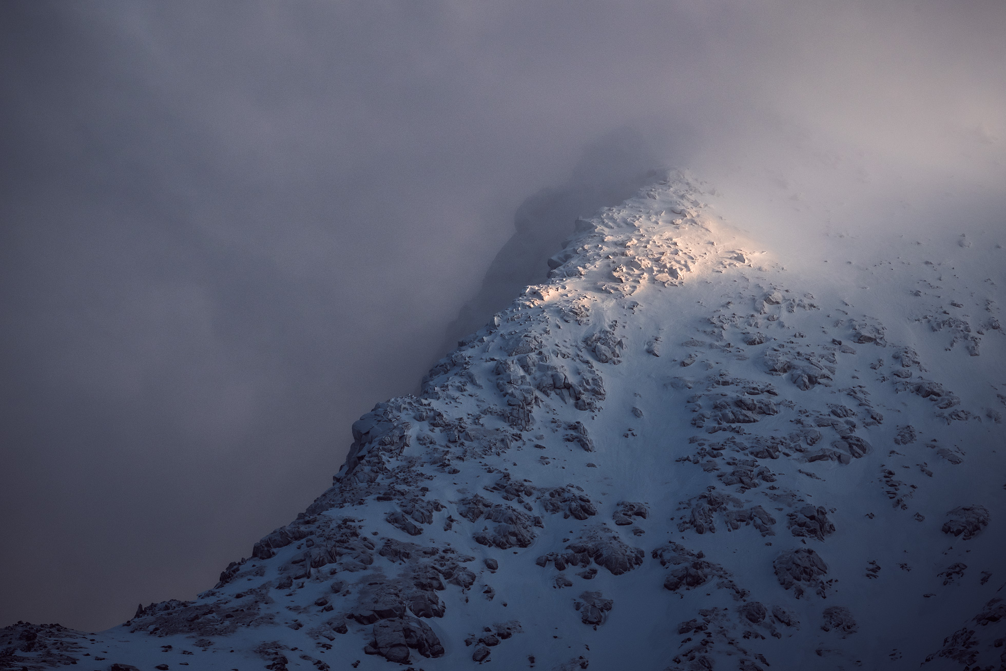 Lofoten-Mountain-Moody-2.jpg