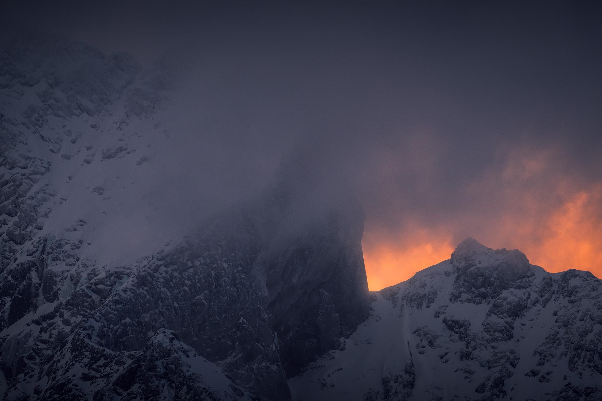 Lofoten-Mountain-Moody-3.jpg