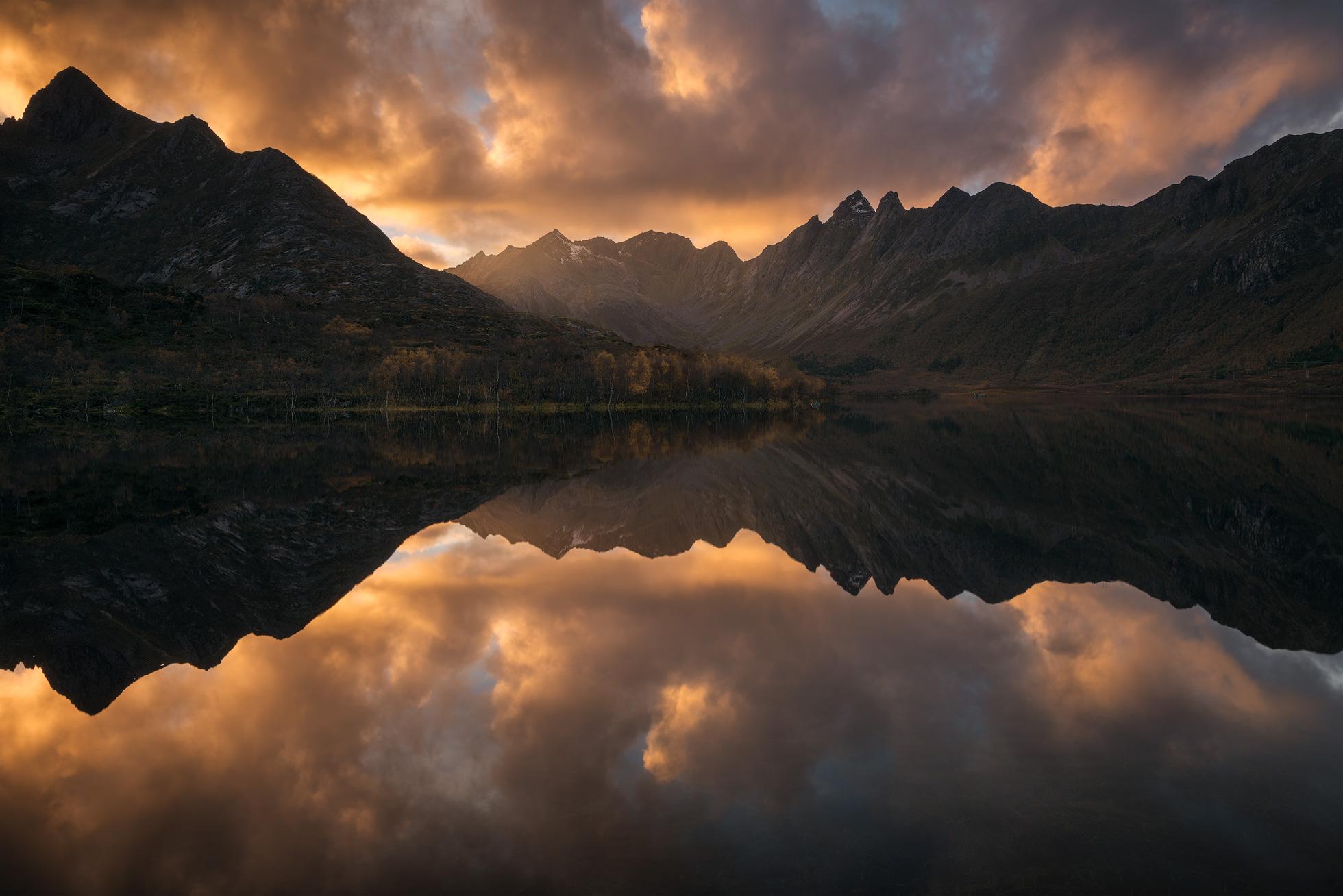 Lofoten-Vagan-Sunset.jpg