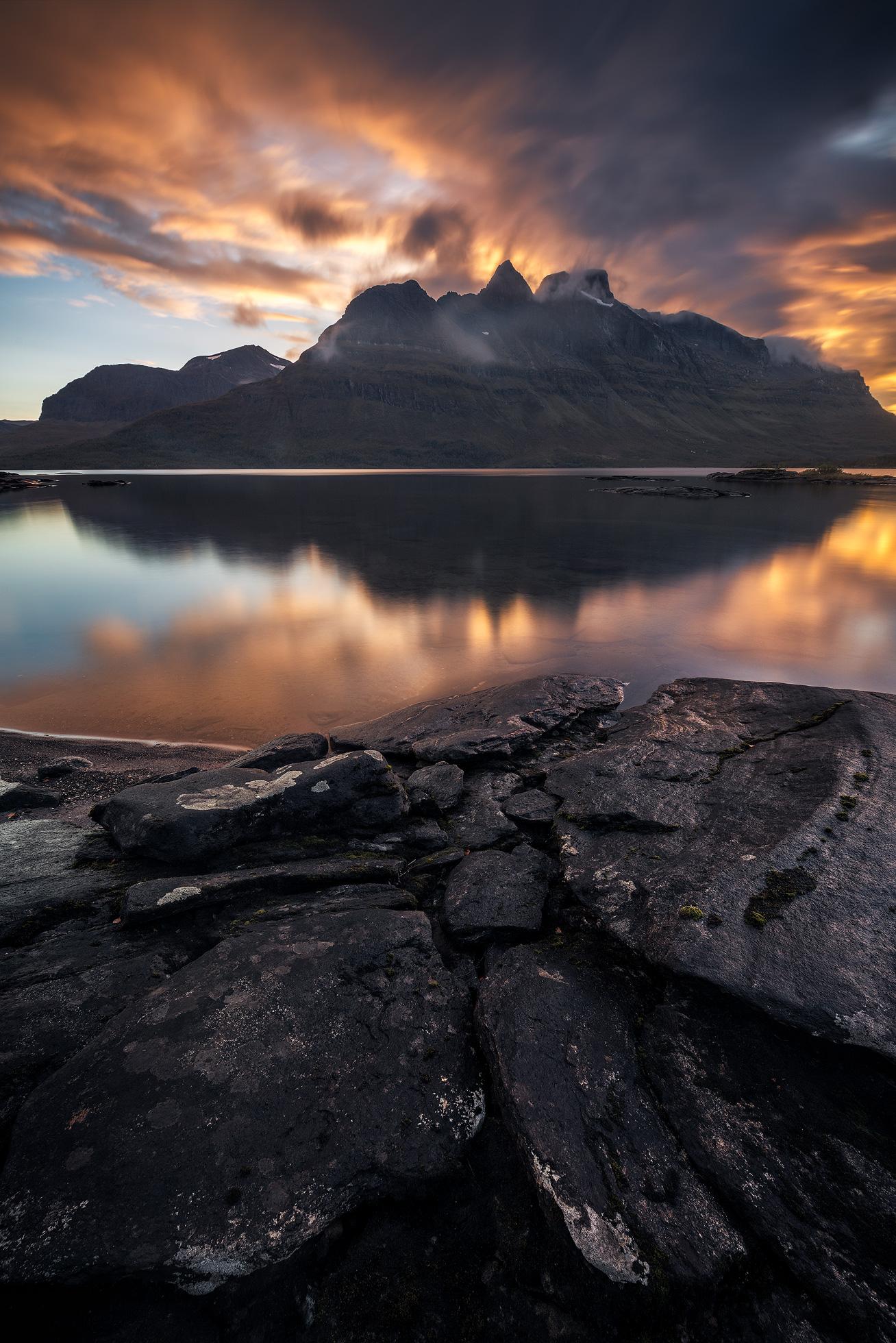 Skoddeberg-Sunset-LE-Vertical.jpg